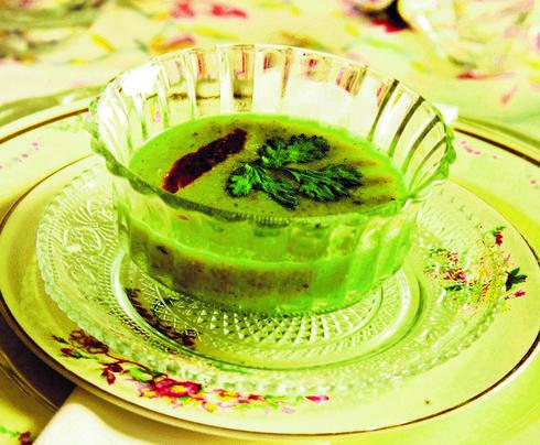 מרק פול ירוק