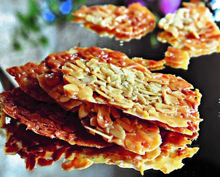 עוגיות תחרת שקדים