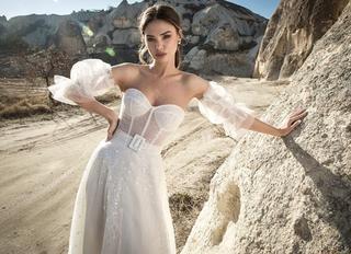 שמלה בעיצוב שלומית אזרד