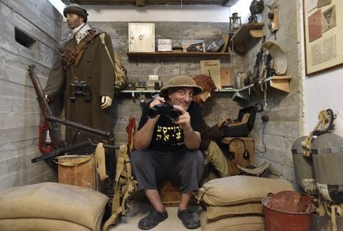"""דרור ברק, יוזם ומנהל מוזיאון """"גרוייסע מציאה"""" בקיבוץ יפעת, מציע מסע נוסטלגי אל ראשית ימי המדינה"""