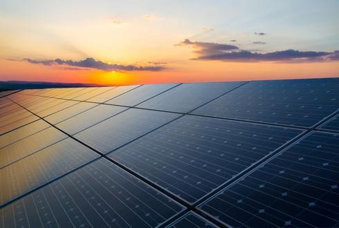 אנרגיה סולרית בהיקפים ניכרים שניתן להתקין בזריזות, בעלויות נמוכות