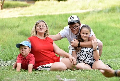 """משפחת וסילייב עלתה לארץ לפני חודש וחצי מרוסיה והתמקמה בקיבוץ מרחביה במסגרת התוכנית """"בית ראשון במולדת"""""""