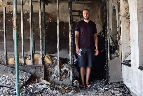תושב נוף הגליל נאסר חזר לביתו שעלה באש בשריפה הגדולה שכילתה בתים בנוף הגליל