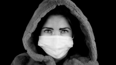 התסמינים הם מצב רוח ירוד, שינויים בדפוסי השינה והתיאבון וחוסר אנרגיות