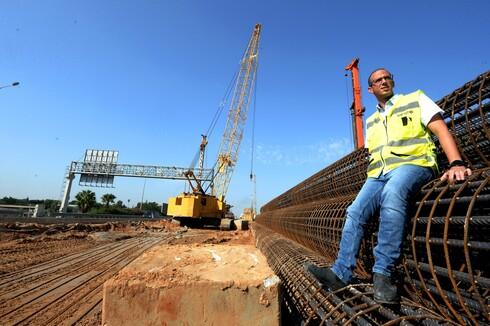 מוטי דבדה, מנהל אגף מסילת 431, מציג את פרויקט הדגל של רכבת ישראל, שיחבר בין ראשון למודיעין
