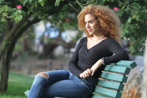 נועה פרג', חברת ילדות של קפטן מכבי נתניה בכדוררגל אלמור כהן, כבתה שיר לזכר אימו שנפטרה