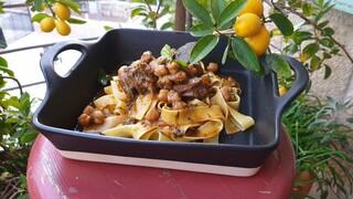 תבשיל בשר, חומוס ופרפדלה