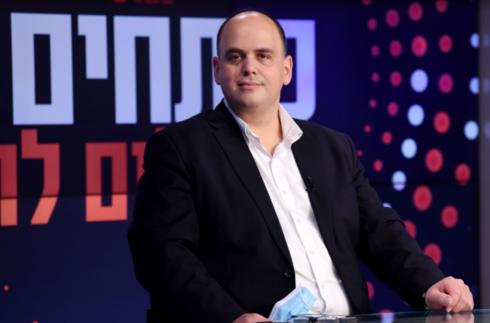 ראש עיריית בת ים צביקה ברוט במשדר