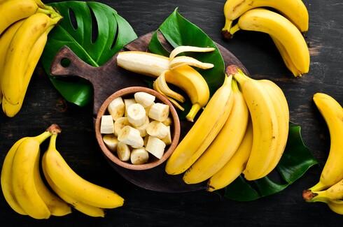 לשמור את הבננות במקום מוצל, לא להכניס אותן למקרר או לשקית