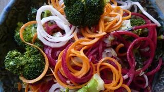 נודלס מירקות בשלושה צבעים