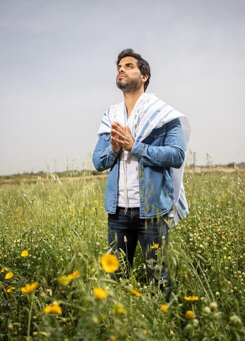 """צפו לו עתיד גדול ב""""כוכב נולד"""", אבל אוריאל שי התרחק מהברנז'ה והתחזק בדת"""