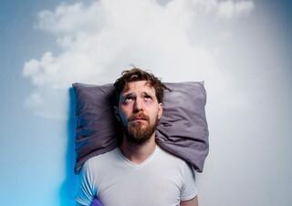 להירדם בימים של מתח וחרדה