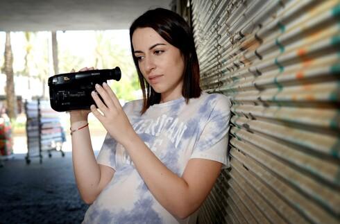 """חנה רטינוב הייתה חלוצת הדוקו-ריאליטי, כשהשתתפה בגיל 16 בעונה הראשונה של """"מחוברות"""""""