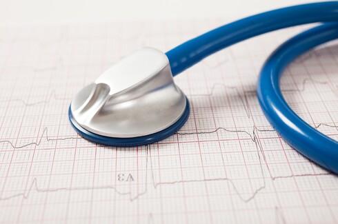מרבית החולים מדווחים על קשיי זיכרון, שינה, חרדה, לחץ וכאבים