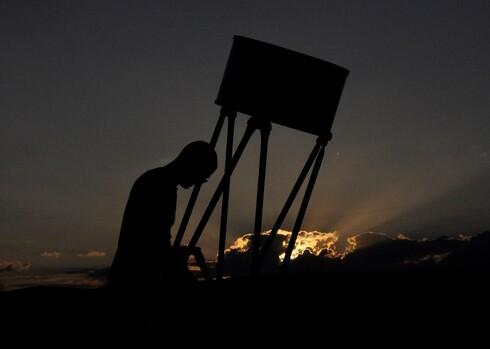 טיול מרהיב על פני כיפת השמיים המדברית
