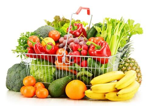 בדקו שעגלת הקניות מכילה ירקות ופירות בחמישה צבעים