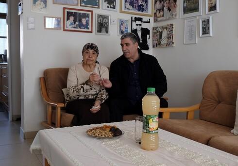 """אליהו זוהר, ראש עיריית קרית מלאכי, מתגעגע לאמו ז'ורז'ט ז""""ל ומוכן לעשות הכל כדי לשבת איתה עוד כמה דקות"""