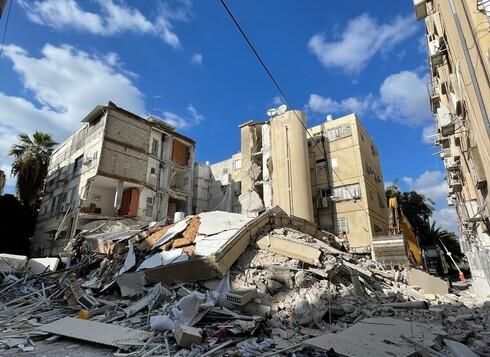 התמוטטות הבניין בחולון הותירה את דייריו המומים וחסרי כל