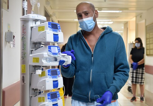 בנוסף להתמודדות עם שני ילדים בעלי צרכים מיוחדים ועם מוות במשפחה, דור גז שוב חלה בסרטן. עכשיו הוא ואשתו מעיין מבקשים את עזרת הציבור