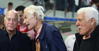 בז'רנו לצד אמציה לבקוביץ' ודרור קשטן | צילום: ראובן שוורץ