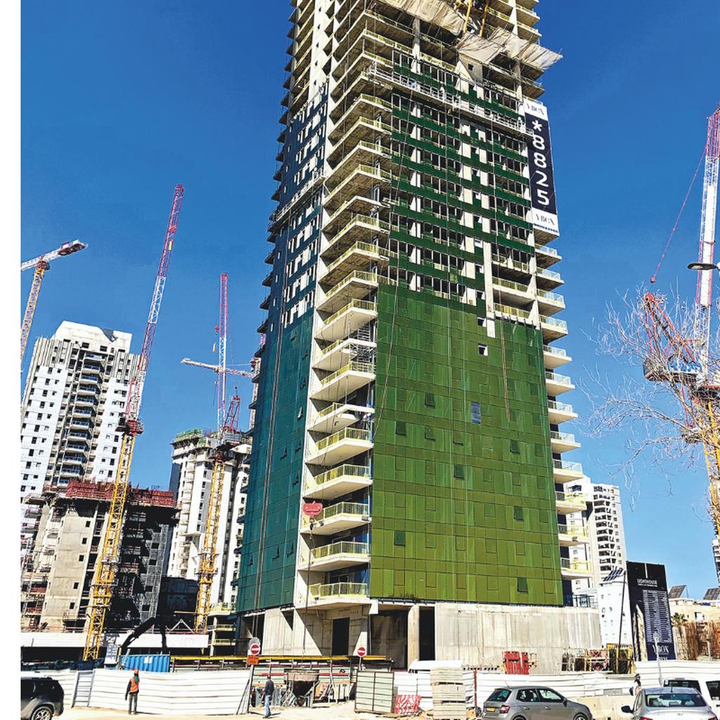 המגדל החדש. משפיע על הסביבה כולה | צילום: קובי קואנקס