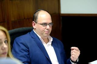 ראש העירייה צביקה ברוט  צילום: קובי קואנקס