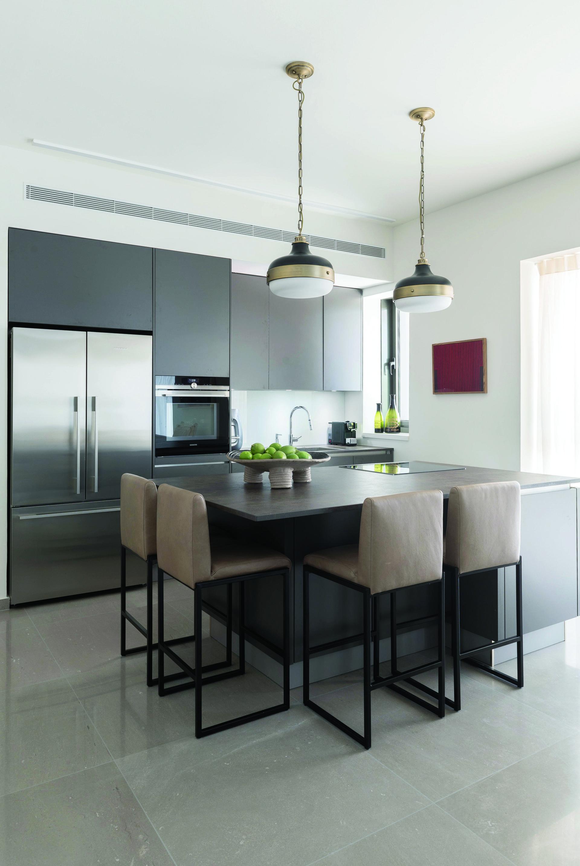 שדרוג המטבח בדירת קבלן לא חייב להיות יקר, עיצוב של אירה שריג, צילום: גלית דויטש