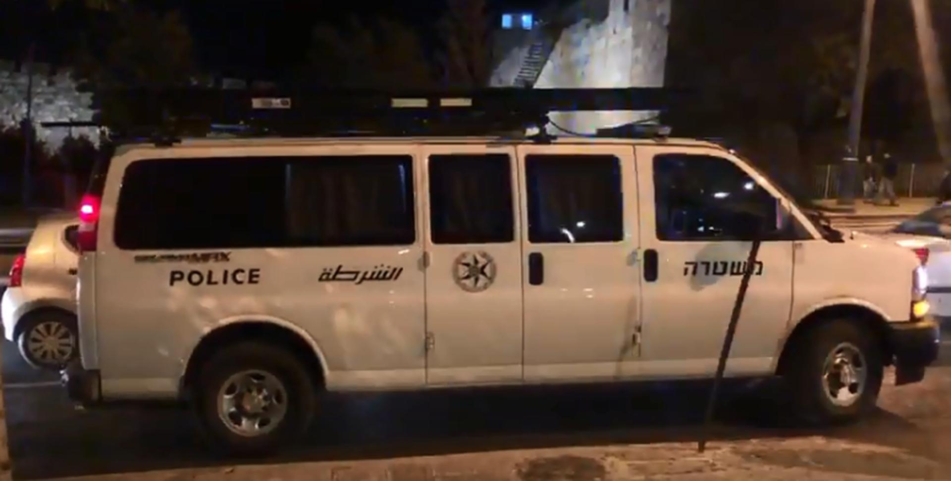 ניידת משטרה לילה. צילום: לירן תמרי